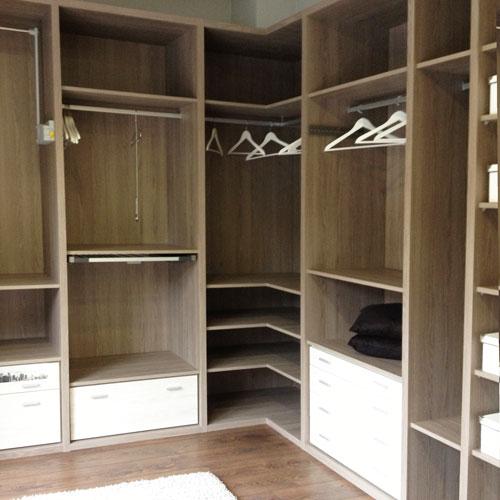 Armarios puertas correderas o abatibles interiores for Interiores de armarios