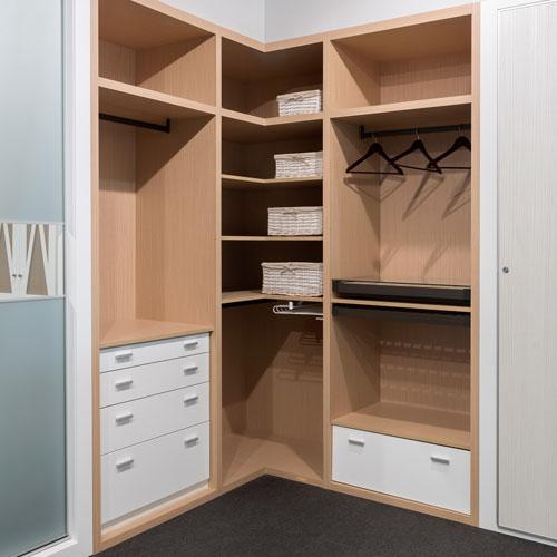 Armarios puertas correderas o abatibles interiores - Cajoneras interior armario ...